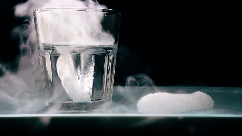 How long does dry ice last